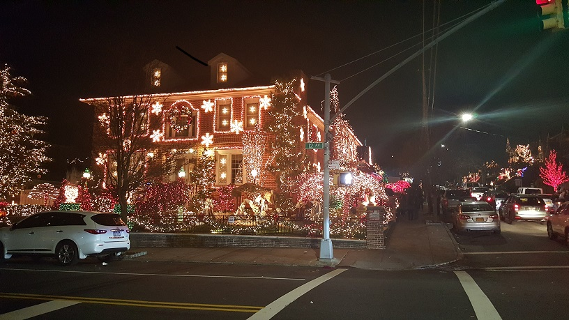 Dyker Heights Christmas Lights (5)