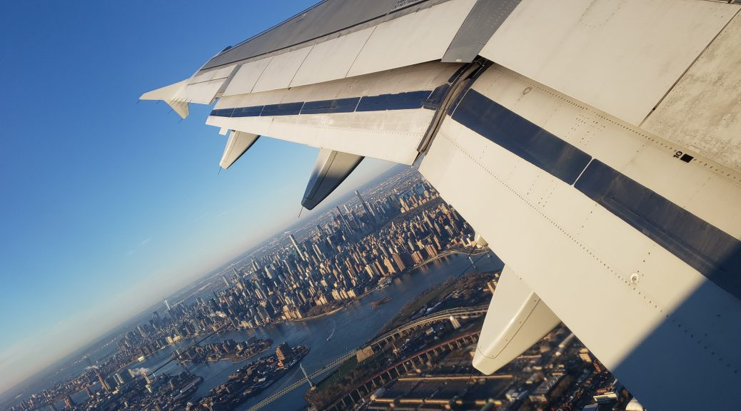 Flying-Over-NYC-from-LGA